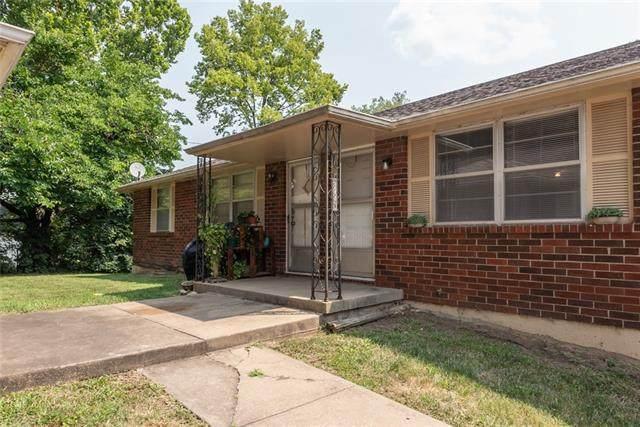 3730 NE 42nd Terrace, Kansas City, MO 64117 (#2338547) :: The Gunselman Team