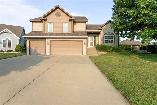 9107 N Walrond Avenue, Kansas City, MO 64156 (#2338569) :: Dani Beyer Real Estate