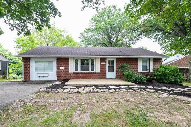 3403 N 53rd Terrace, Kansas City, KS 66104 (#2338723) :: Ron Henderson & Associates