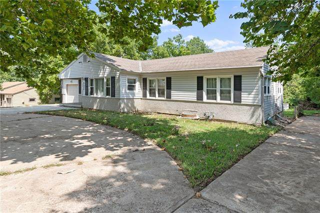 9523 Wornall Road, Kansas City, MO 64114 (#2338764) :: Ask Cathy Marketing Group, LLC