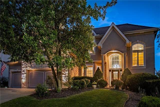 6128 S National Drive, Parkville, MO 64152 (#2338982) :: Austin Home Team