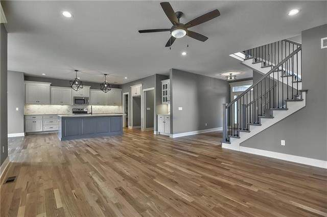 16060 W 163rd Place, Olathe, KS 66062 (#2339037) :: Tradition Home Group | Compass Realty Group