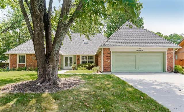 10304 Grant Lane, Overland Park, KS 66212 (#2339145) :: Austin Home Team