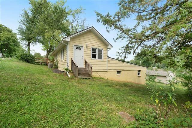 7972 Metropolitan Avenue, Kansas City, KS 66111 (#2339216) :: Dani Beyer Real Estate