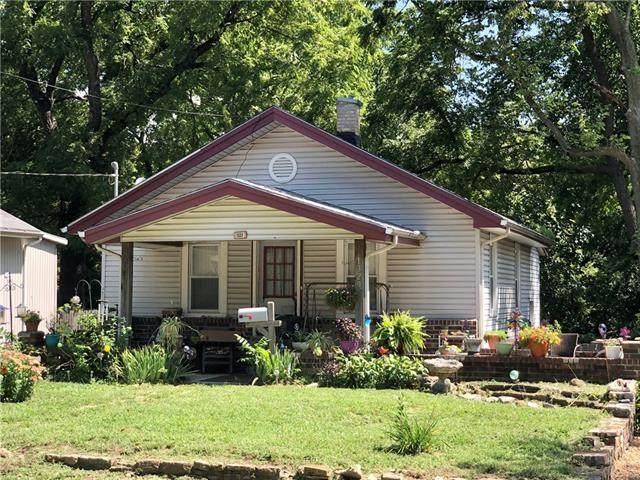 1329 S Osage Street, Independence, MO 64055 (#2339234) :: ReeceNichols Realtors