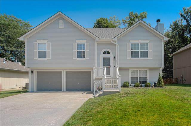 2011 N Ethan Lane, Independence, MO 64058 (#2339307) :: The Shannon Lyon Group - ReeceNichols