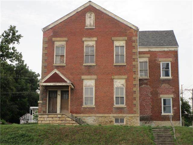 1003 Commercial Street, Atchison, KS 66002 (#2339445) :: Team Real Estate