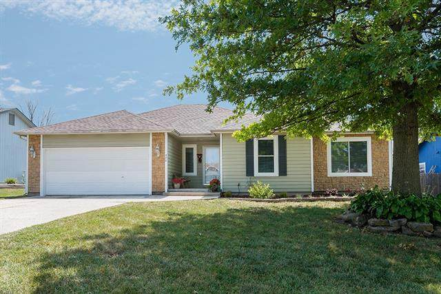 498 E 12th Terrace, Tonganoxie, KS 66086 (#2339483) :: Tradition Home Group | Compass Realty Group