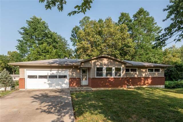 8917 N Campbell Street, Kansas City, MO 64155 (#2339582) :: Ron Henderson & Associates