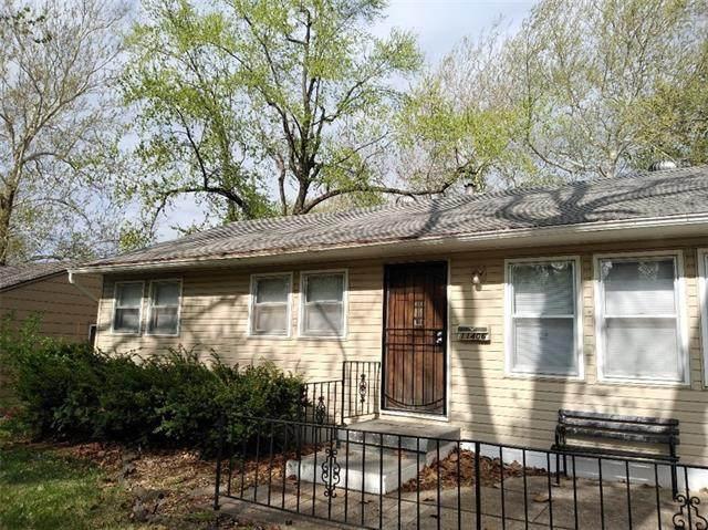 11406 Eastern Avenue, Kansas City, MO 64134 (#2339669) :: Austin Home Team