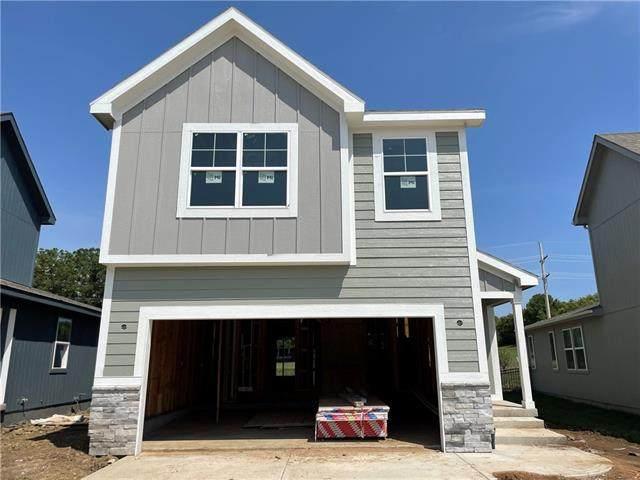 1409 Newport Lane, Raymore, MO 64083 (#2339765) :: Austin Home Team