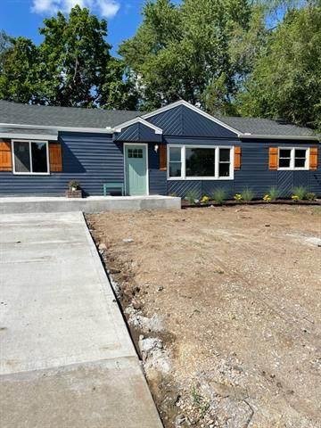 8300 E 87 Street, Raytown, MO 64138 (#2339839) :: Ron Henderson & Associates