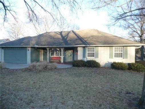 6613 Quivira Road, Shawnee, KS 66216 (#2339929) :: Dani Beyer Real Estate