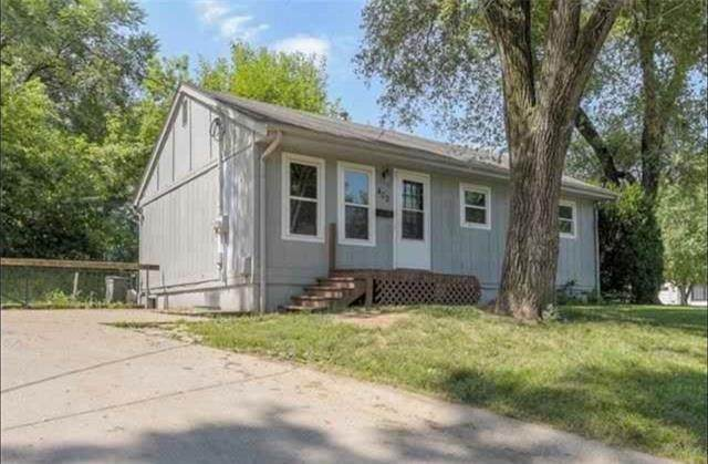 402 Murphy Avenue, Bonner Springs, KS 66012 (#2339954) :: Team Real Estate