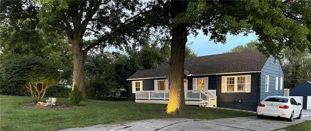 403 E 105th Street, Kansas City, MO 64131 (#2339987) :: Austin Home Team