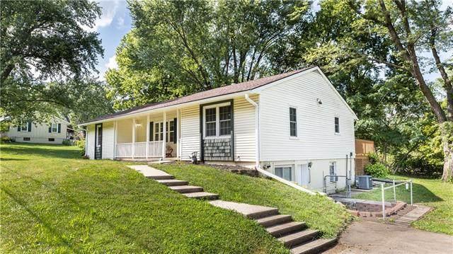 8106 E 102nd Street, Kansas City, MO 64134 (MLS #2340017) :: Stone & Story Real Estate Group