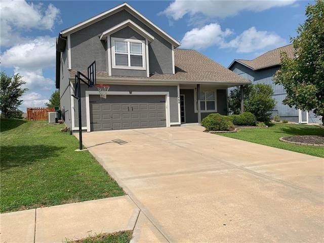 488 S 137th Street, Bonner Springs, KS 66012 (#2340057) :: Ron Henderson & Associates