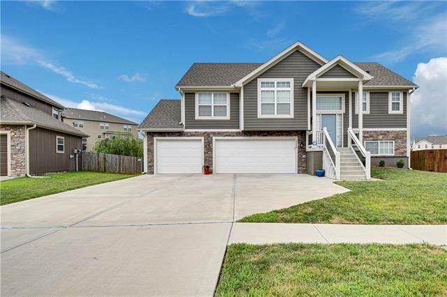 10509 Augusta Drive, Kansas City, KS 66109 (#2340064) :: Austin Home Team