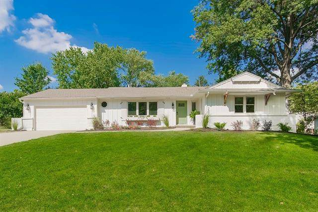 3600 W 98 Street, Overland Park, KS 66206 (#2340100) :: Tradition Home Group | Compass Realty Group