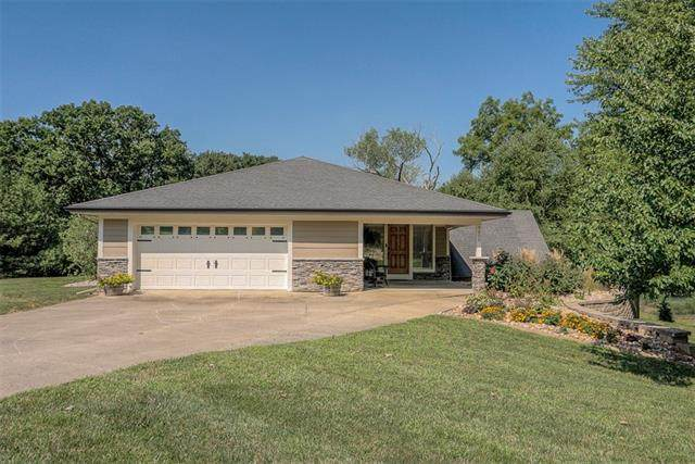 7600 NW Valley Road, Kansas City, MO 64152 (#2340225) :: Tradition Home Group | Compass Realty Group