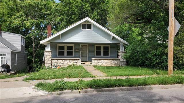 3824 Cleveland Avenue, Kansas City, MO 64128 (#2340240) :: Austin Home Team