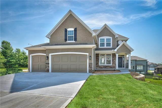 12536 S Sunray Drive, Olathe, KS 66061 (#2340276) :: Tradition Home Group | Compass Realty Group