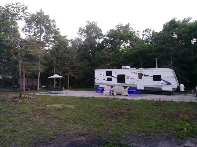 42, 46 & 50 Buzzard Lane, Mound City, KS 66056 (#2340370) :: Dani Beyer Real Estate