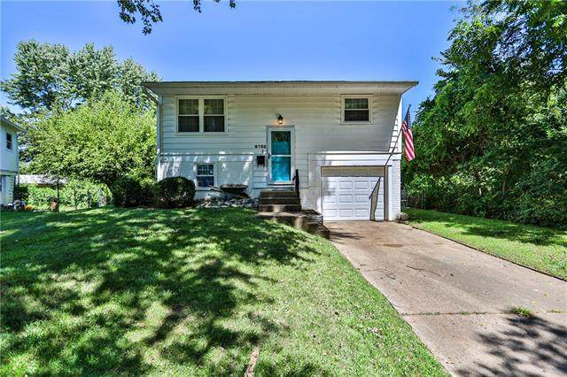 8732 E 97th Terrace, Kansas City, MO 64134 (#2340496) :: Tradition Home Group | Compass Realty Group