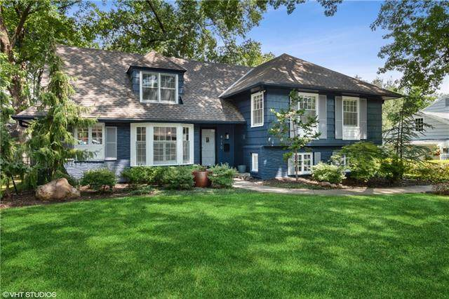 4310 W 63RD Terrace, Prairie Village, KS 66208 (#2340548) :: Ron Henderson & Associates