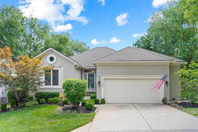7923 W 118th Place, Overland Park, KS 66210 (#2340657) :: Tradition Home Group | Compass Realty Group