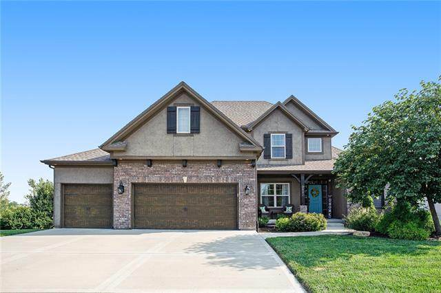 9551 N Hunter Avenue, Kansas City, MO 64157 (#2340775) :: Tradition Home Group | Compass Realty Group