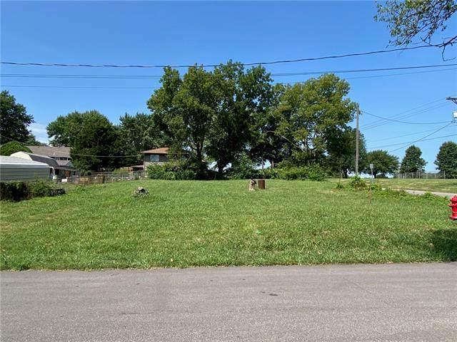 3901 Shawnee Drive, Kansas City, KS 66106 (#2340799) :: Five-Star Homes