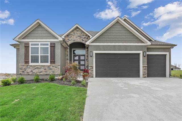 17304 Bradshaw Street, Overland Park, KS 66221 (#2340815) :: Tradition Home Group | Compass Realty Group
