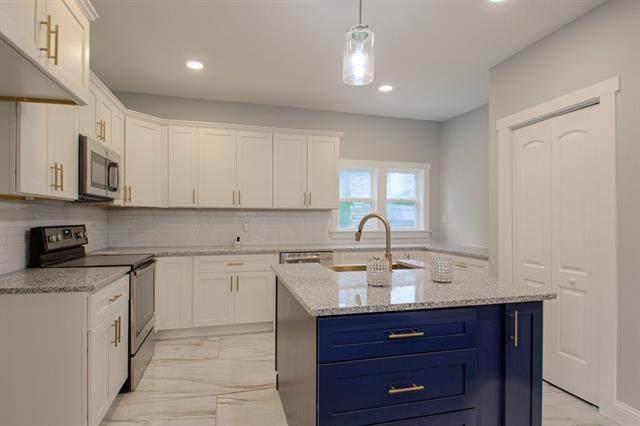 3901 Manheim Road, Kansas City, MO 64110 (#2340848) :: Dani Beyer Real Estate