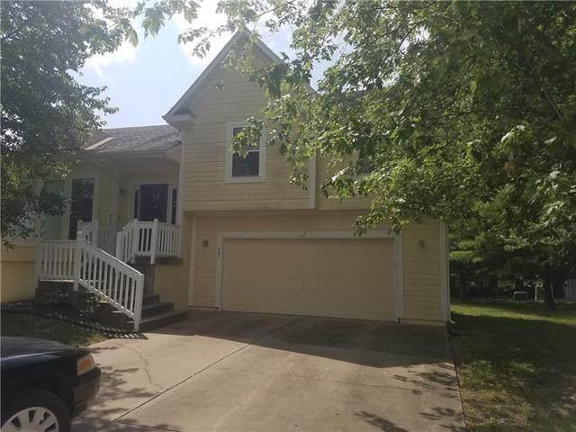 901 E Oak Crest Drive, Gardner, KS 66030 (#2340892) :: Austin Home Team