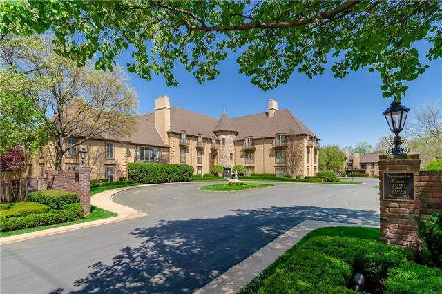 7223 Mission Road 117&120, Prairie Village, KS 66208 (#2340942) :: Tradition Home Group | Compass Realty Group