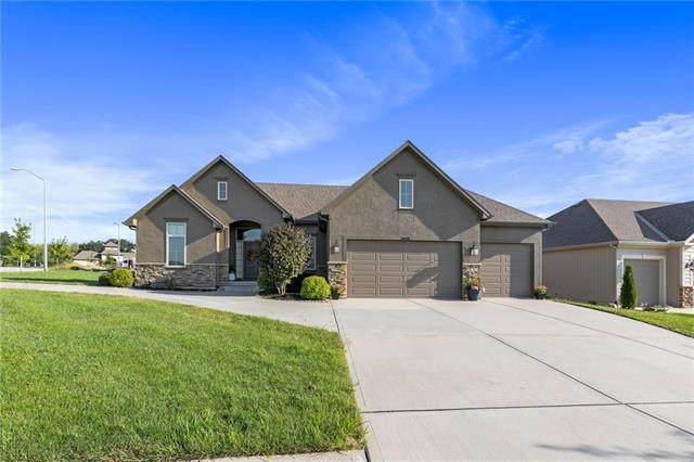 4808 NW 70th Terrace, Kansas City, MO 64151 (#2340953) :: Austin Home Team