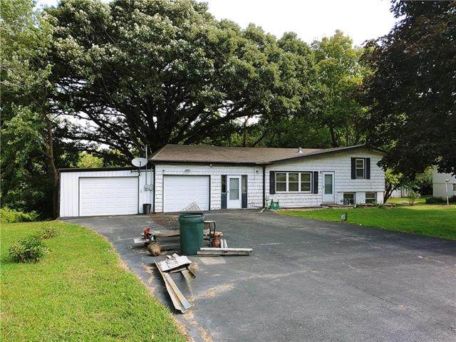 17212 E 21st Street N, Independence, MO 64058 (#2341103) :: Ron Henderson & Associates