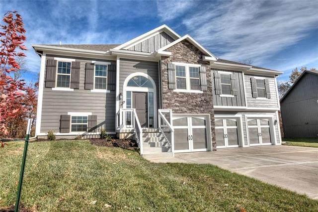 1028 Poplar Lane, Liberty, MO 64068 (#2341197) :: Dani Beyer Real Estate