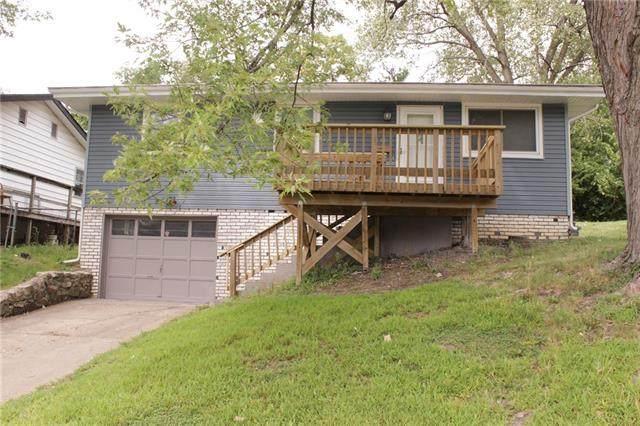 2732 Elmwood Avenue, Kansas City, MO 64128 (#2341287) :: Austin Home Team
