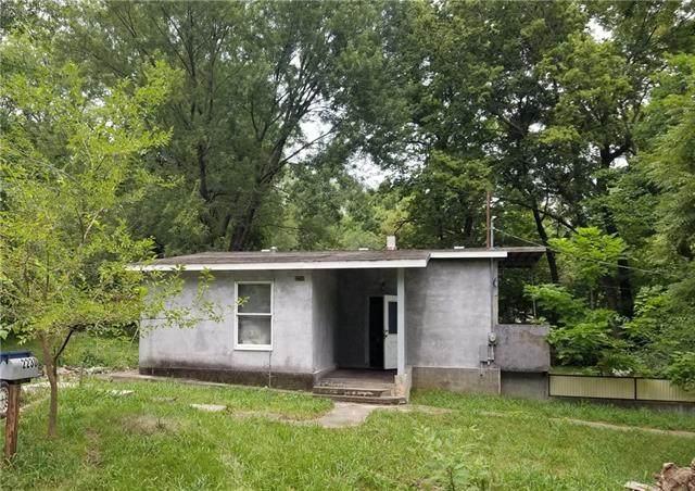 2230 Bunker Avenue, Kansas City, KS 66102 (#2341504) :: Five-Star Homes