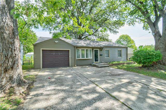 605 N Sunset Drive, Independence, MO 64050 (#2341512) :: The Shannon Lyon Group - ReeceNichols