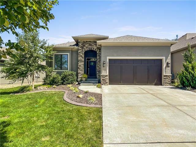 9867 Garden Street, Lenexa, KS 66227 (#2341516) :: Ron Henderson & Associates