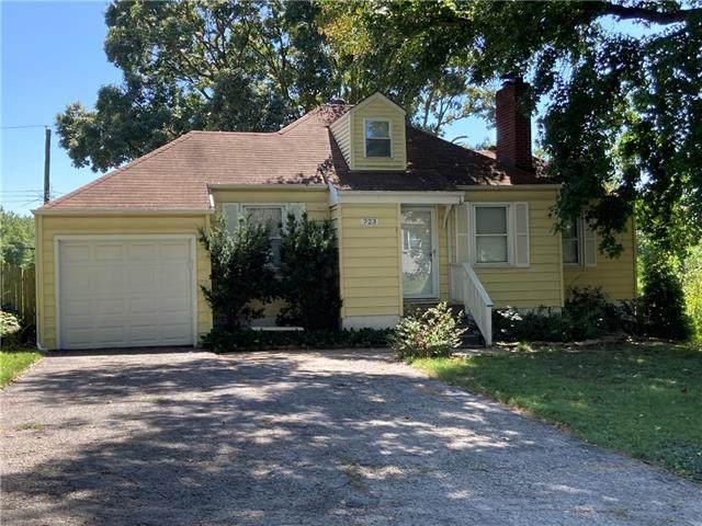 723 NE 42nd Terrace, Kansas City, MO 64116 (#2341563) :: Eric Craig Real Estate Team