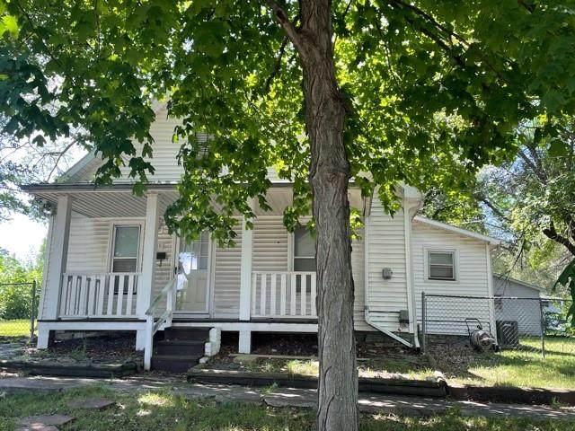 308 S 4th Street, Savannah, MO 64485 (#2341565) :: Ron Henderson & Associates