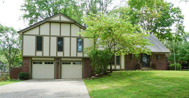 3807 W 57th Terrace, Fairway, KS 66205 (#2341638) :: Dani Beyer Real Estate