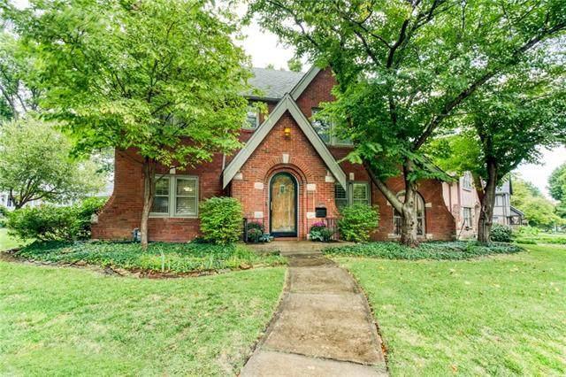 6811 Pennsylvania Avenue, Kansas City, MO 64113 (#2341676) :: Austin Home Team