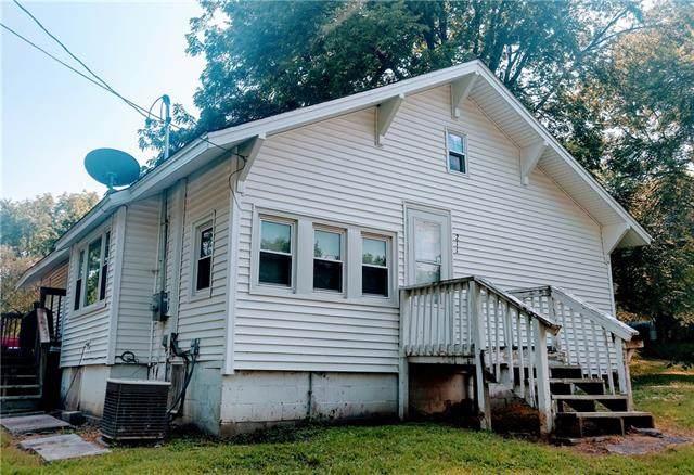 211 E Black Diamond Street, Richmond, MO 64085 (#2341806) :: Dani Beyer Real Estate