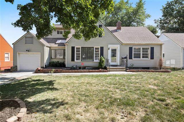 7603 Marty Street, Overland Park, KS 66204 (#2341854) :: Five-Star Homes