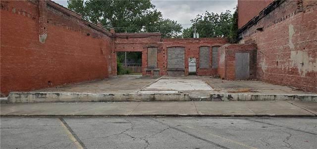 307 Main Street, Garden City, MO 64747 (#2341865) :: The Gunselman Team